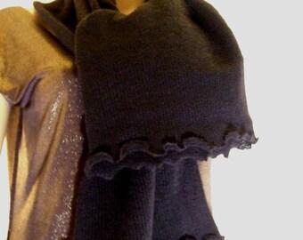 Classic scarf in beautiful soft black Merino yarn