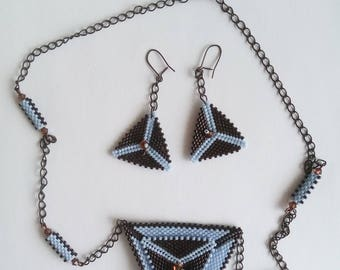 set necklace and earrings made of peyote stitch, lightweight, handmade, geometric fn year celebrations