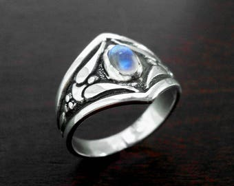 Silver ring,vintage ring,antique ring,moonstone ring,angels ring,vintage silver ring,antique silver ring,medieval ring,angels silver ring