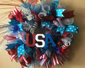 Patriotic Wreath, Red, White and Blue Wreath, Fourth of July Wreath. Patriotic Door Wreath.