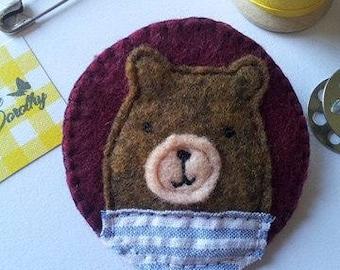 Felt brooch/teddy bear felt brooch/embroidered brooch/felt pin/PIN/brooch/embroidered/embroidery/embroidered brooch
