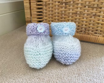 baby booties, handmade baby booties, knitted baby booties