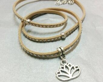 Bracelet beige suede and lotus flower