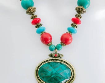 New Womens' Beaded Red and Blue Beaded Necklace