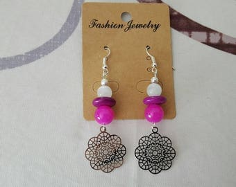 crochet earrings in silver, glass bead and synthetic howlite stainless print