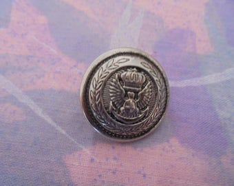 Vintage silver metal 22 mm button