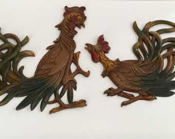 Vintage Syroco Pair of Fighting Roosters Wall Decor Kitchen Plaques Plastic Made in USA 1965