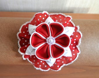 Kids red and white kanzashi flower hair tie