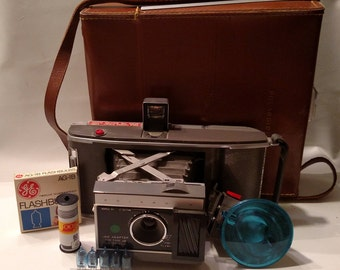 Vintage Polaroid J66 Camera and Case