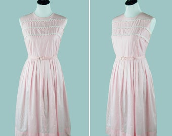 1950s Pink Cotton Dress WIth Knit Lace Detail - 50s Pastel Pink Spring Dress - Rows Of White Knit Lace - Matching Belt - Pleated Skirt