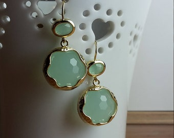 Apple green glass and gold drop hook earrings - bridal jewellery - bridesmaid gift - elegant - wedding jewellery