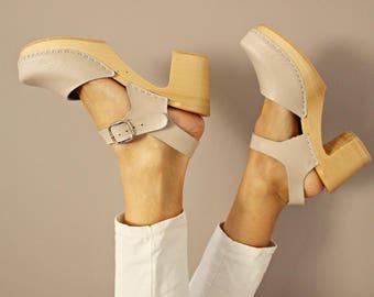 Clogs Moccasins Wooden clogs Women clogs Leather clogs Clog Womens beige clogs Boots Womens moccasins Wood clogs Clogs boots Clogs sandals
