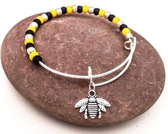 Bee Bracelet, Bumble Bee, Bug Bracelet, Insect Bracelet, Nature Lover Gift, Yellow and Black Beads, Beaded Bangle, Adjustable Bangle