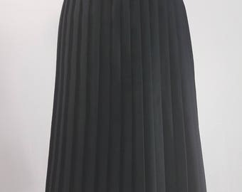 80s vintage long black pleated skirt