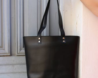 Tote bag Tote bag with pockets Medium leather tote bag - Black leather Tote - Hand stitched shopper bag