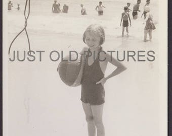 Girl in bathing suit with beach ball Atlantic City old vintage photo/snapshot/photograph-w23