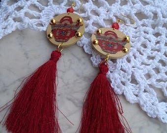 Sicilian earrings with cotton tassels and light wood