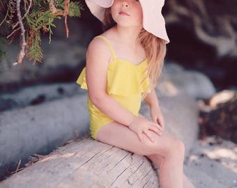 Floppy Sun Hat for Girls in Pale Pink Linen