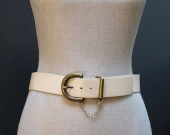 Vintage Ivory Leather Waist Belt, Antiqued Brass Buckle, Chain Loop, White Leather Belt, Vintage White Belt, Thick Leather Belt, Adventure