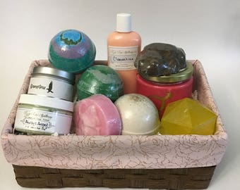 Personalize Your Present: Custom Gift Basket