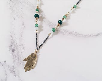 Hand necklace in brass and green gemstones, protection amulet