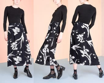 BLACK and WHITE FLORAL skirt Flowy maxi vintage rayon Romantic Small / Medium