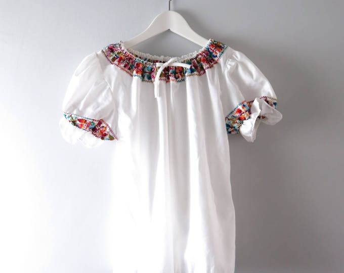 Vintage Peasant Blouse | 1970s Embroidered White Mexican Peasant Blouse S