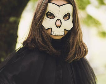 Skull Death Mask for Halloween or Pretend Play