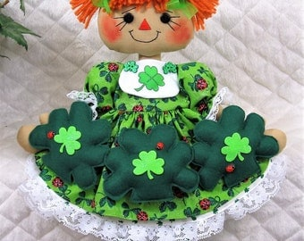 "Primitive Raggedy 17""~St. Patrick's Day/Irish Annie""~shamrock/ladybug garland!"