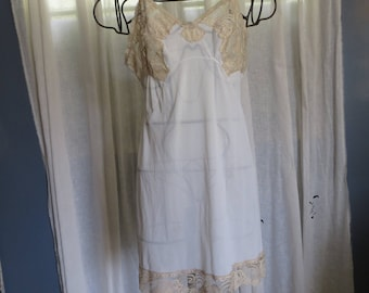 60's Camisole Embroidered Ivory Beige