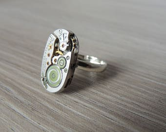 Steampunk ring // watch movement ring // Elgin watch movement