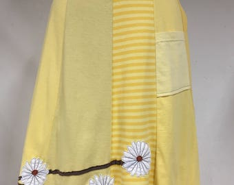 T-Skirt Upcycled, recycled, appliqué yellow t-shirt skirt with Daisies around