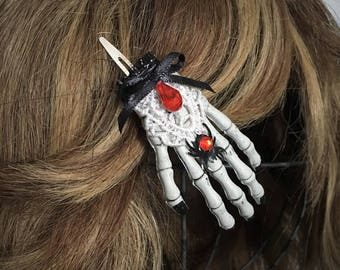 Skeleton hand hair clip - Halloween - Gothic