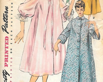 Simplicity 4972 1950s Duster Negligee and Housecoat Vintage Sewing Pattern Bust 30 or 36 Bathrobe