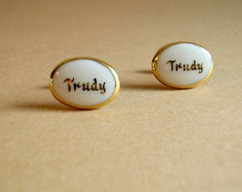 Vintage Trudy Oval Porcelain Cuff Links