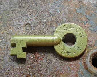 SPCO CS-4 Switch Key - Southern Pacific Railroad