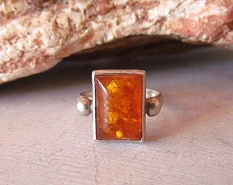 Vintage Native American style Sterling Silver & Amber Ring Size 8.25
