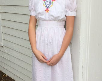 White Embroidered Dress Maxi Mexican Spanish 70s Wedding Mexico Cotton S