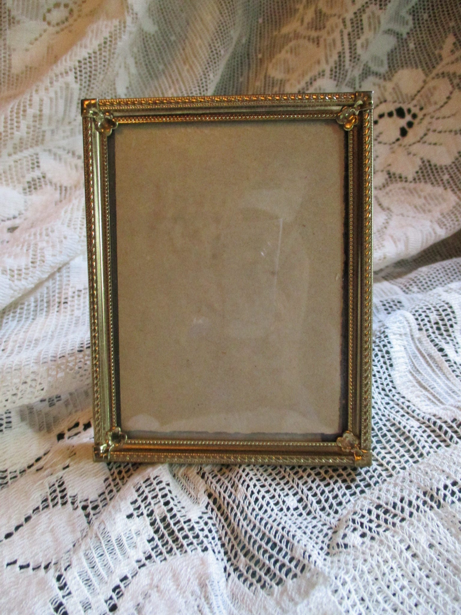 Vtg antique brass convex bubble glass small gold metal photo zoom jeuxipadfo Image collections