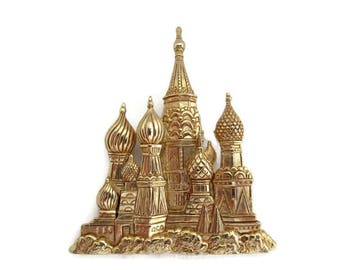 Gold Tone Castle Brooch, Signed JJ, Renaissance Gothic medieval design, Wedding Bridal, Vintage Retro, Mystical Castle, Large Pin