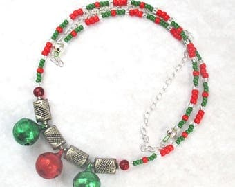 Christmas Necklace, Xmas Jewelry, Holiday Necklace, Red Green Jewelry, Jingle Bell Necklace, Red Green Necklace, Length up to 30 1/2in