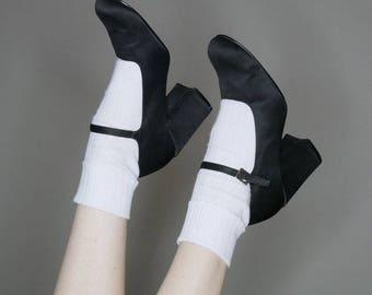 90s black satin Mary Janes size 9 (narrow)