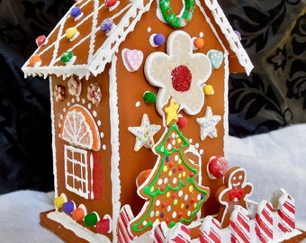 Faux Gingerbread Cookie Cottage
