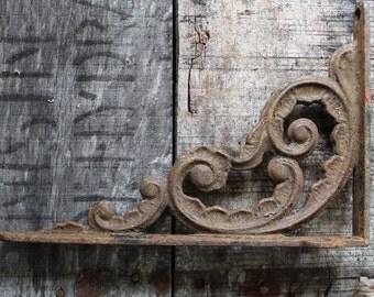 Antique Vintage Shelf Bracket Single for Hanging Shelf Plants Lamps  Cast Iron Home and Garden Decor Victorian