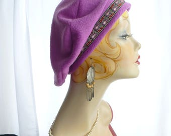 Orchid/Pink Beret  (lightweight) with Running Leaf Trim