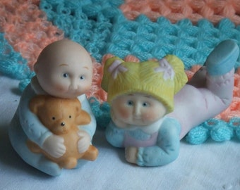 Vintage 2 Cabbage Patch Kids Porcelain Figurines. Bisque, Unglazed Porcelain. Pastel Colors. Collectibles. From 1984 Edition. Made in Taiwan