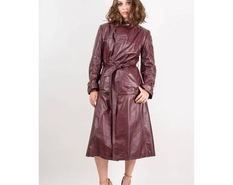 Vintage Etienne Aigner burgundy leather trench coat / 1970s Antic red long coat / Oxblood S M