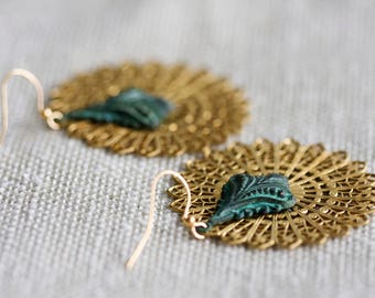 Victorian Drop Filigree Earrings Round Lace Charm Art Deco Patina Earrings Large Statement Earrings Party Jewelry - E345