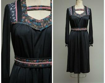 Vintage 1970s Dress • Brighter Darkness • Black Celestial Print 70s Dress Size Medium