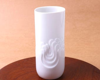 Thomas Rosenthal white porcelain vase - 70s Tapio Wirkkala Blutenfest - West German pottery - mid century modern space age minimalist decor